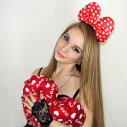 18yo Latvian teen cam model Debyanry @ MyFreeCams