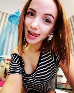 19yo teen camgirl Katryn LilKatelyn